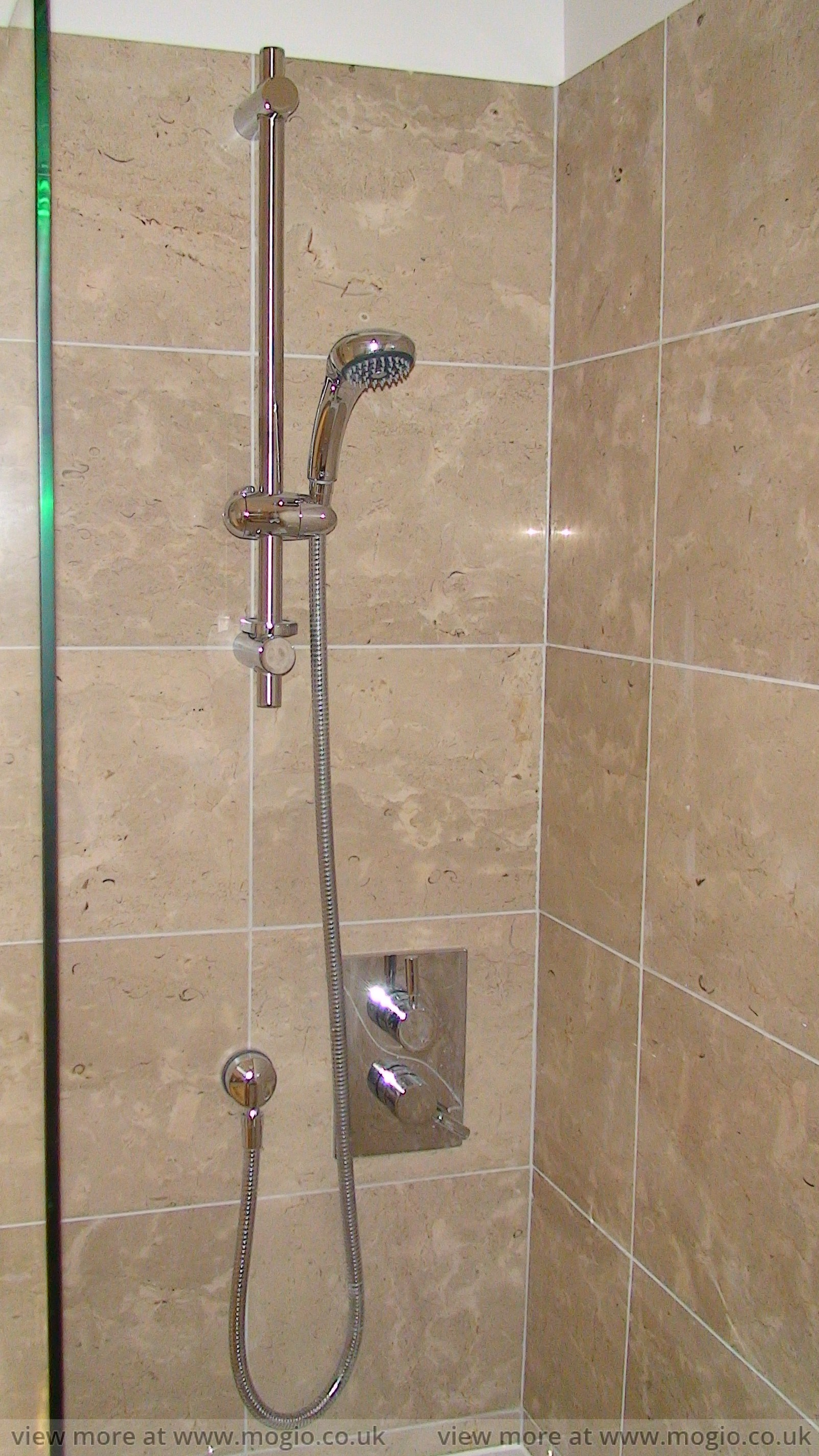 shower_bath_screen